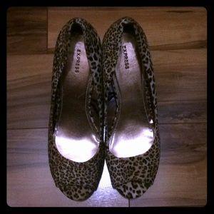 ✨Express Cheetah Print Peep-Toe Wedge Heels✨